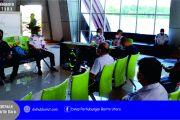 Rapat Sosialisasi Angkutan Udara Bersubsidi Bersama Pengusaha Tambang Kabupaten Barito Utara dan Kabupaten Murung Raya, yang di laksanakan di Bandara Haji Muhammad Sidik